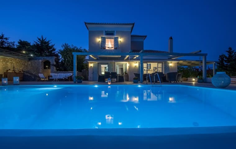 Villa Le Reve:Awesome Seaview in a deLuxe Villa