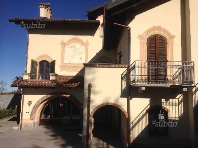 Villa ai piedi delle Langhe - Trinità - Villa