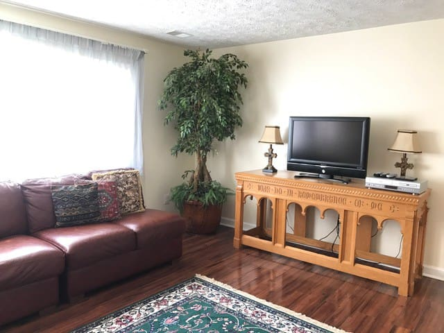 Large Charming Apartment in Wooded Lot