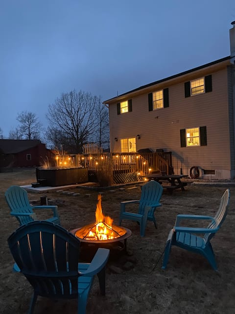 NEW! Shangri-La Escape! HOT TUB/Amazing lake view!