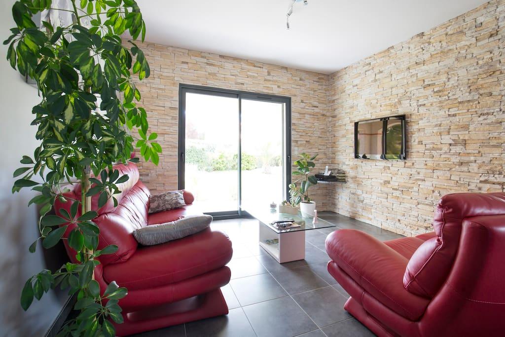 Chambres d 39 h tes entre mer et montagne villa 39 s te huur for Chambre d hotes frankrijk