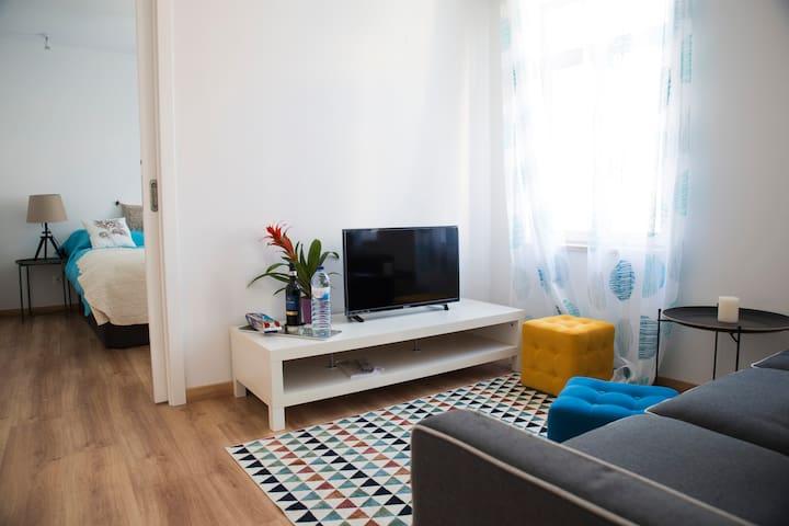 BRANDNEW designer's apartment Lisbon 1012D