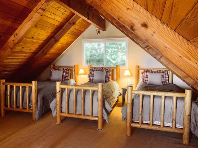 Lofted 2nd bedroom