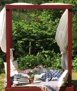 """Swedish Idyll"" - bedroom in garden shed"