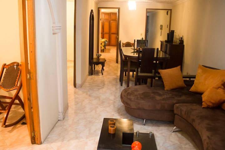 Private room double bed in Laureles - Medellin - Medellín - Pis