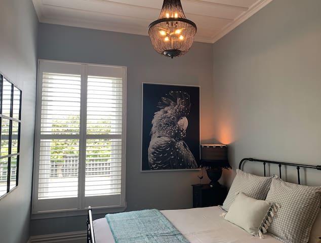 The Blue Room - Queen
