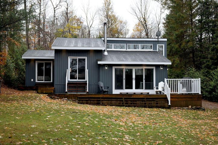 Beautiful Shadow Lake Cottage 4 Season