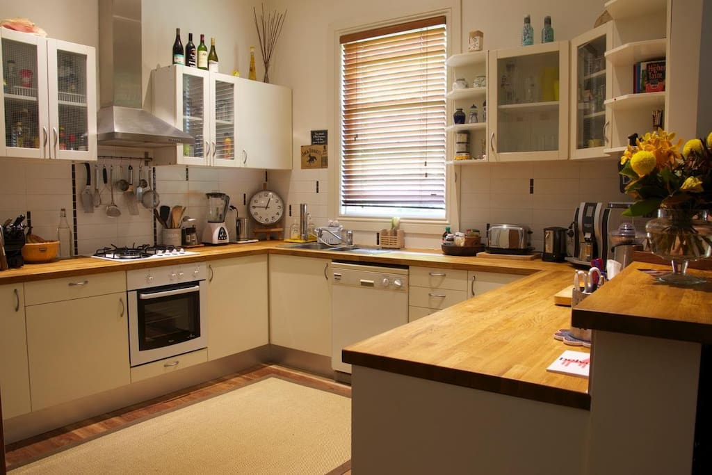 spacious, modern & fully equipped open plan kitchen