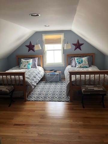 3rd BR with twin beds and additional trundle bed