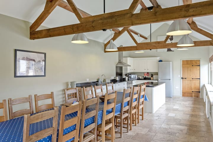 Spacious Barn - Perfect for Groups