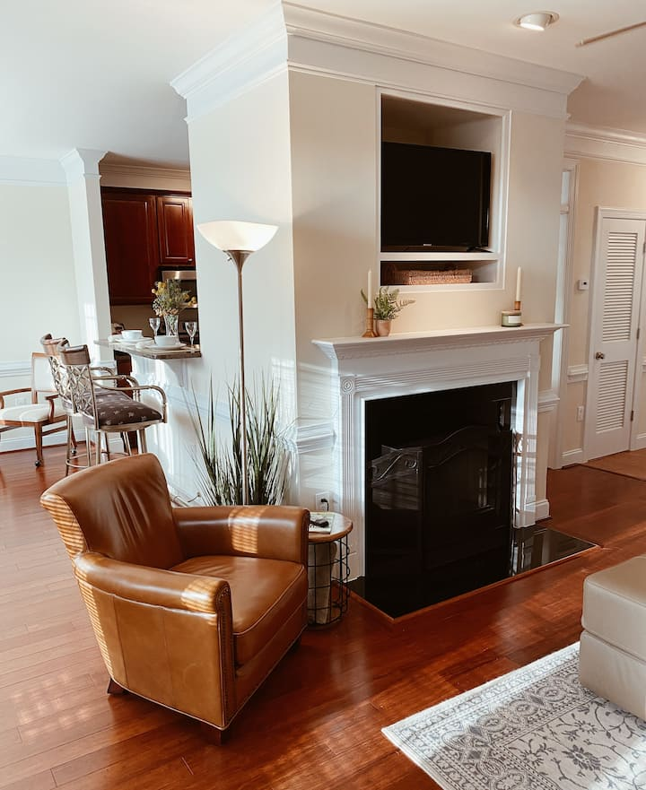 Stylish Midtown Retreat with Private Garage