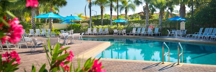 20% off-no resort fees-Disney 6 miles-clean home
