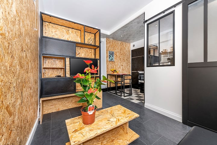 Well-designed modern studio in the heart of Fonty