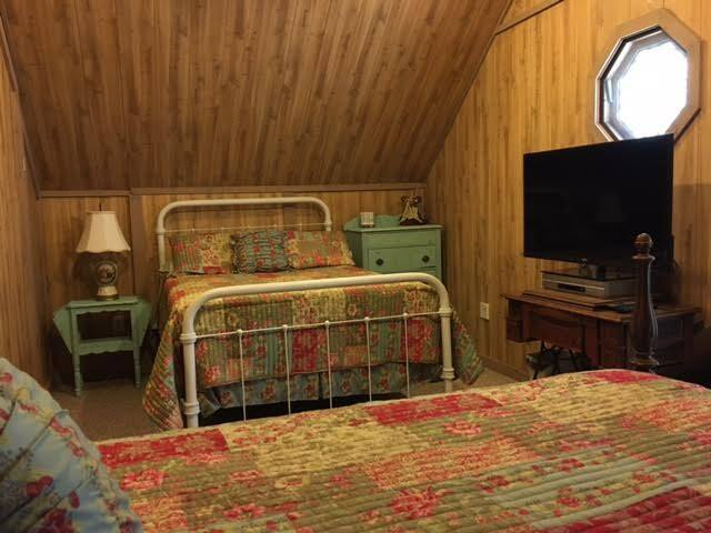 "#2 bedroom ""Attic Nook"""