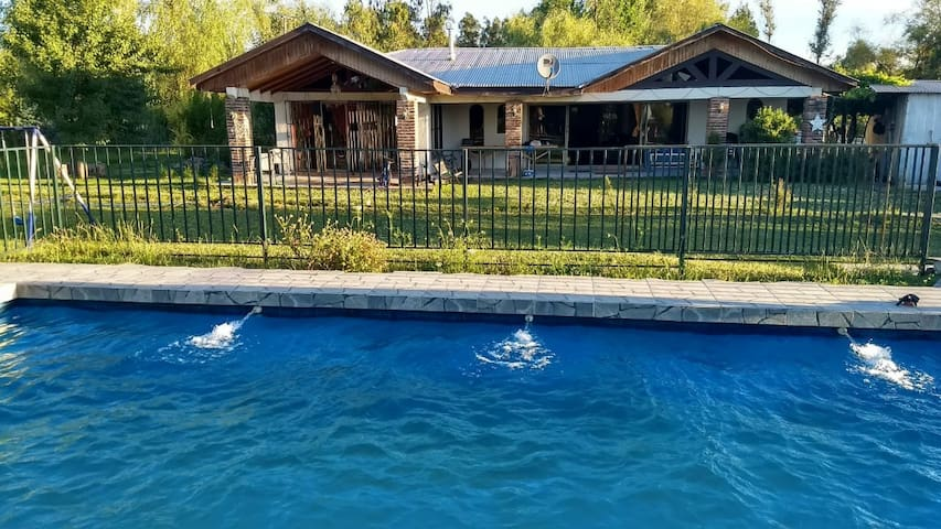 parcela, casa para 15 per. piscina privada.