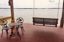 Swing away, looking over Lake Dora