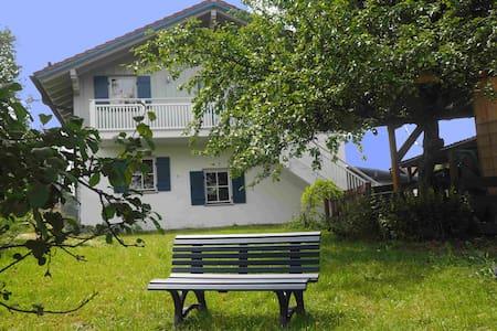 Obstgartenferien helles Apartement - Seeon-Seebruck