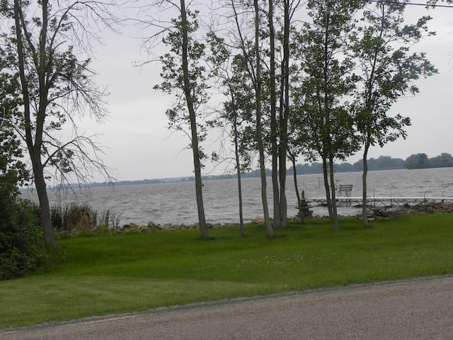 Lake Poygan Wisconsin home on 1.5 acres - Fremont - Hus