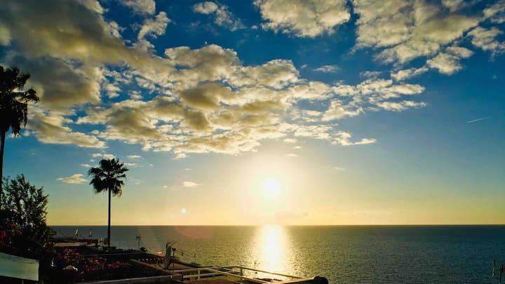 Casa Solaris 750m to Beach 140m² Terrace & Netflix