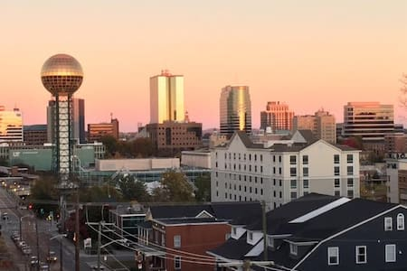 UT Campus, furnished, amazing location to downtown - 諾克斯維爾(Knoxville) - 公寓