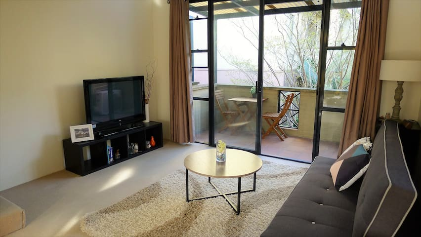 Sydney Little Hideout 1 Bedroom Loft Apartment - Roseville - Квартира