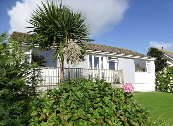 Lovely 3 bedroom bungalow in unspoilt Gorran Haven
