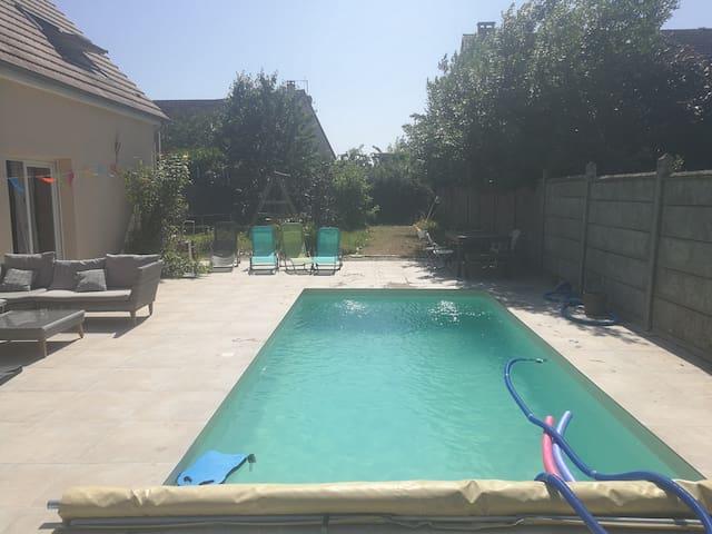 Maison 5 chambres piscine sud Paris proche RER