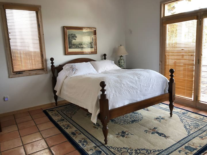 Los Alamos Bedroom for 2 Private Entrance