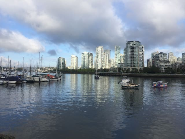 One bedroom/bath, downtown Vancouver- GOOD VIBES