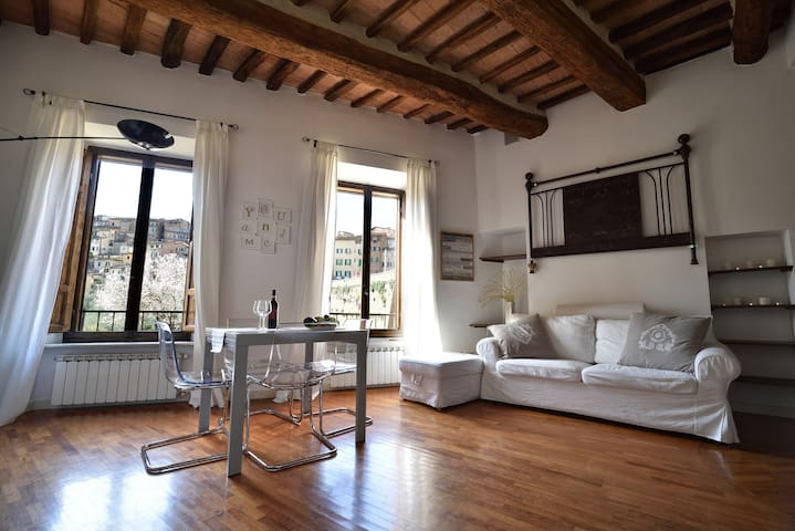 Apartment near the Tower - Siena - Apartemen