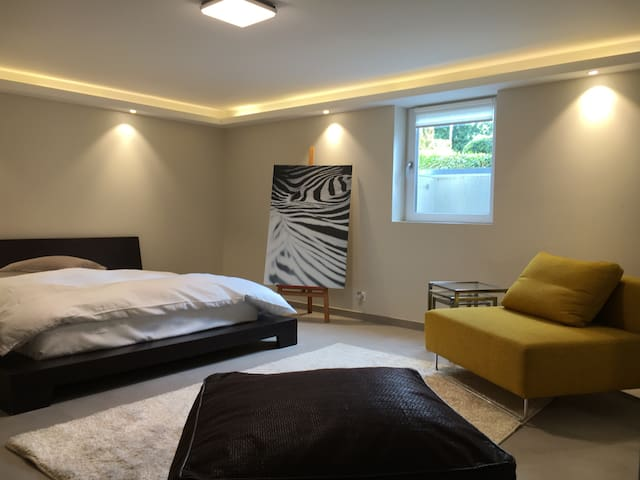 Modern apartment + garden (pool/beach 5 min away) - Pregny-Chambésy - อพาร์ทเมนท์