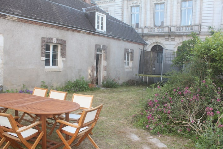 Double room with bathroom. Best location in Gien !