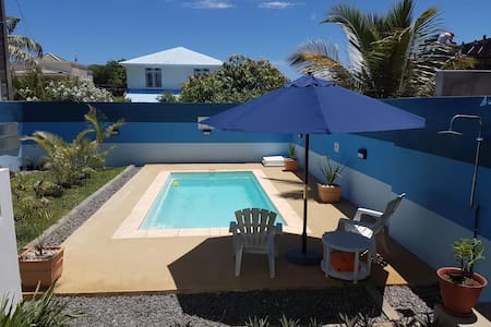 NEW Apartment with pool & balcony, close to beach - Grand Gaube - Daire