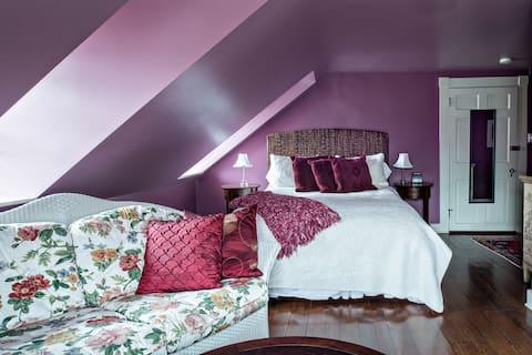 Bartlett Pear Inn, Green Anjou Suite