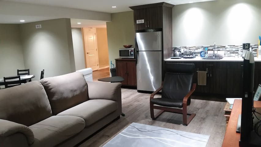 2 Bedroom suite on Greenbelt - Langley