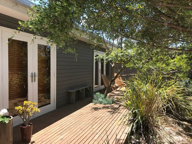 Renovated Beach Gem Close to Beach and Shops!! - Point Lonsdale - Casa