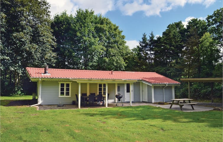Holiday cottage with 3 bedrooms on 66m² in Toftlund