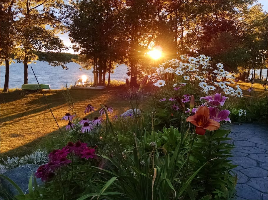 I love my gardens and sunsets!