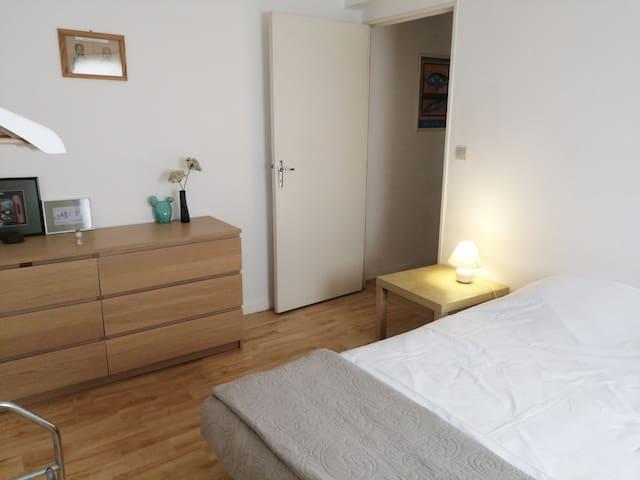 Chambre avec lit 160/200