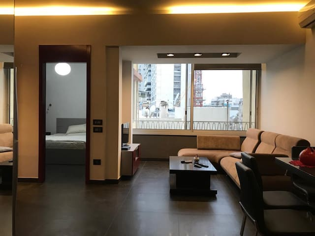 Appartment facing ABC Ashrafieh