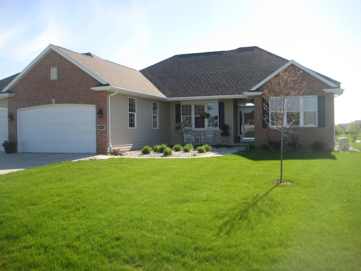 Perfect EAA location. Country home w/ lake views.