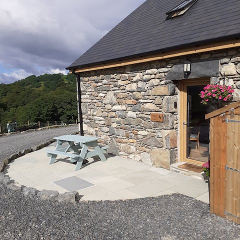 Rural Romantic Retreat At Sgubor Fach