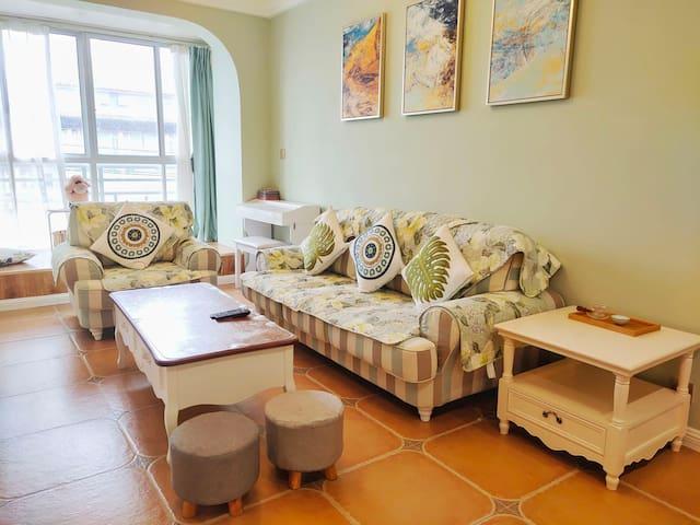 401古城2室2厅家庭套房/免费停车/沃尔玛商圈/更多房源请查看账户或咨询房东