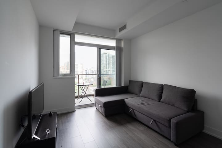 Studio with balcony, yonge and dundas sq