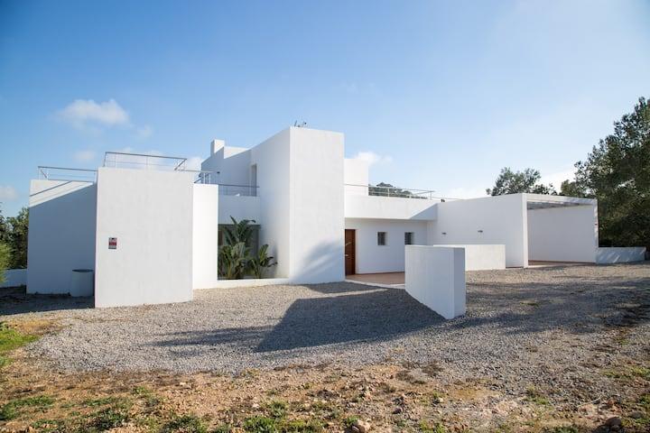 Villa d' Es Puig Redó- San Jose (zona Porroig)