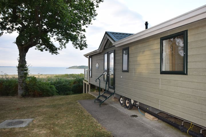 5 Ocean View, 3 Bed Economy Lodge with Free Seasonal Entertainment Passes