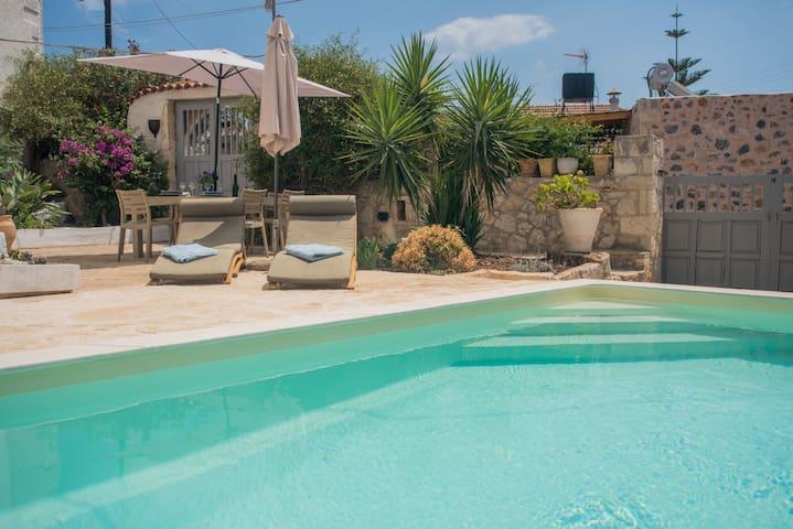 Villa Oraia - village house with private pool