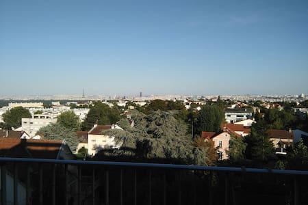 3 pièces avec vue sur tout Paris - Garches - Appartamento