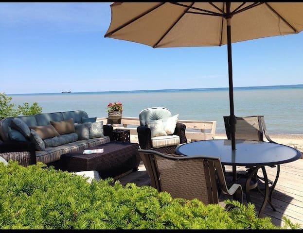 Beautiful loft Aparment by lake Huron