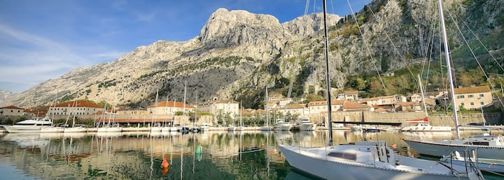 Miguel apartment in top location of old town Kotor